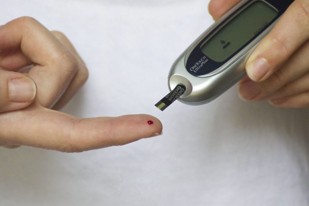 how to test blood sugar